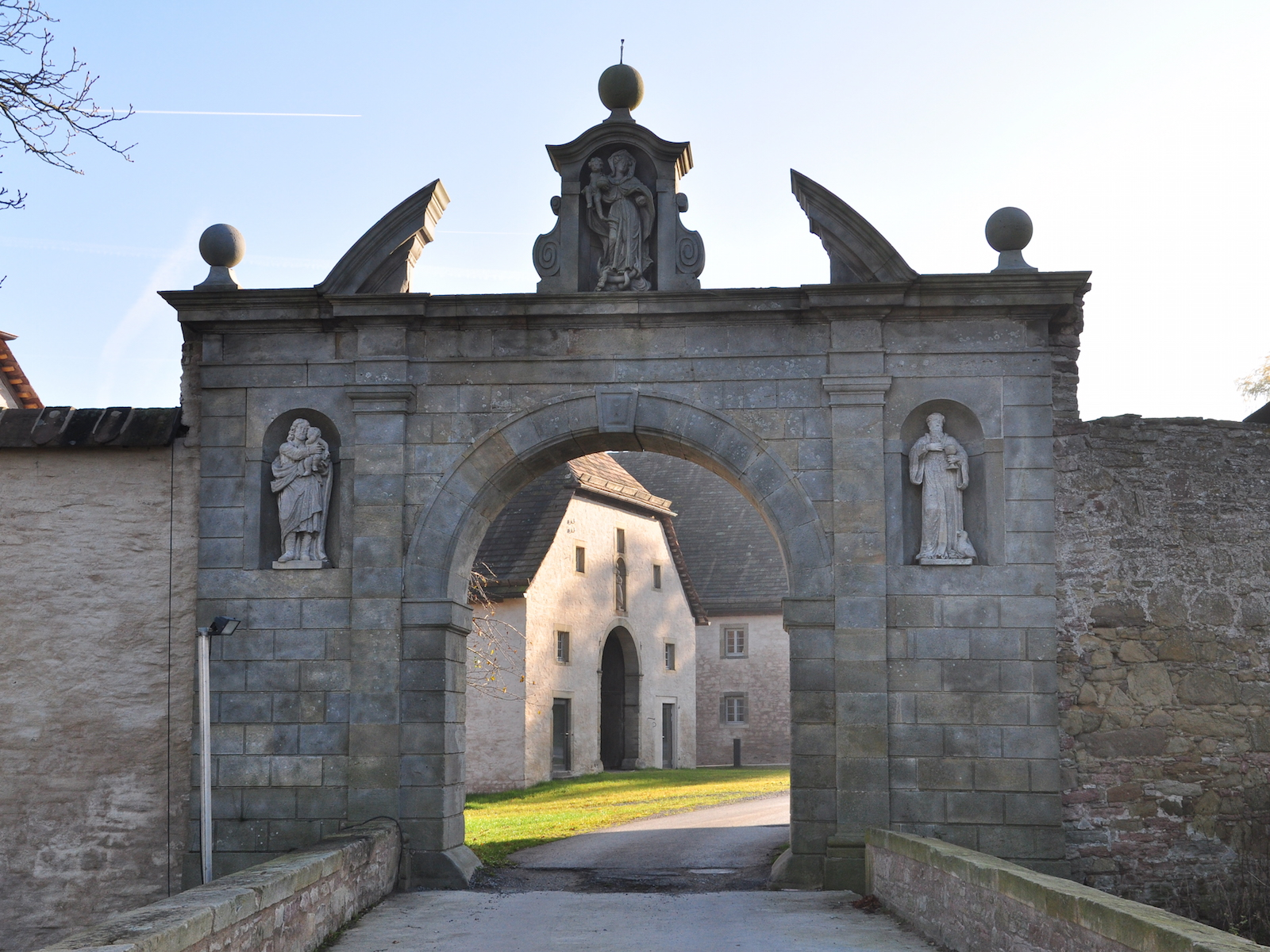 Abtei Tor