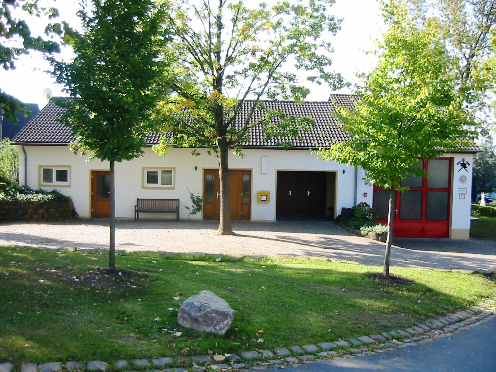 Feuerwehrgeräte- und Dorfgemeinschaftshaus